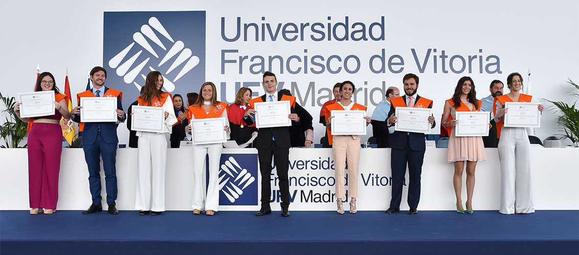 Entrega de diplomas Graduaciones